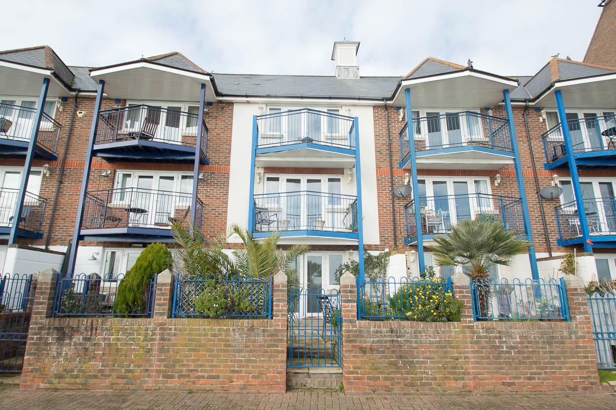 5 Bedrooms Town House for sale in Bermuda Place, EASTBOURNE